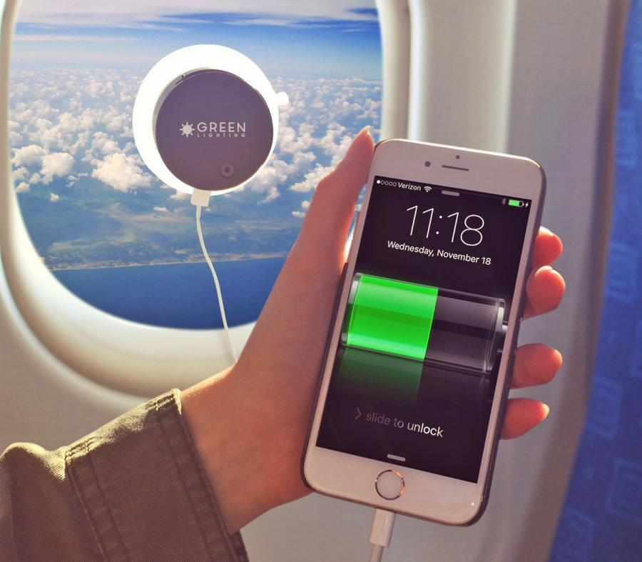 this-solar-phone-charger-attaches-to-any-window-charges-your-phone-via-the-sun-0